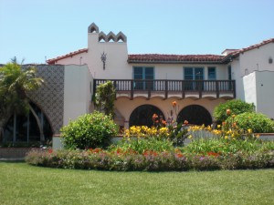 One of my favorite homes to visit in Malibu, California.  Spectacular Malibu tiles!